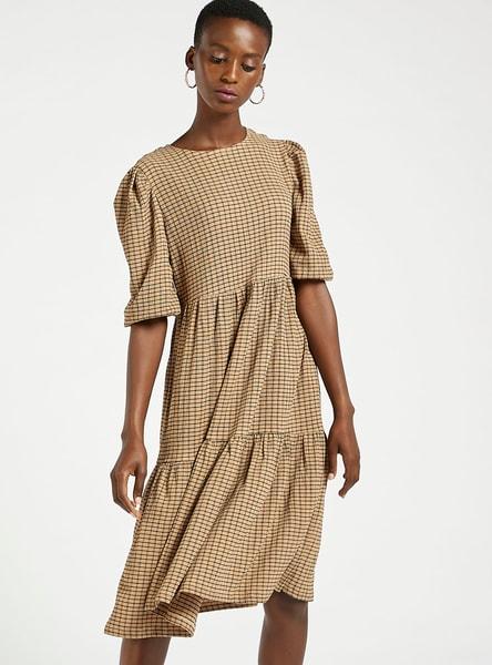فستان ميدي مربعات متعدد الطبقات بياقة مستديرة وأكمام قصيرة واسعة
