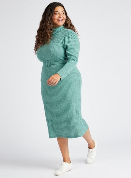 فستان واسع ميدي مضلع بياقة عالية و أكمام طويلة و حزام خصر