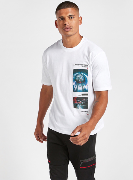 Slim Fit Graphic Print Patch Detail Oversized T-shirt with Round Neck