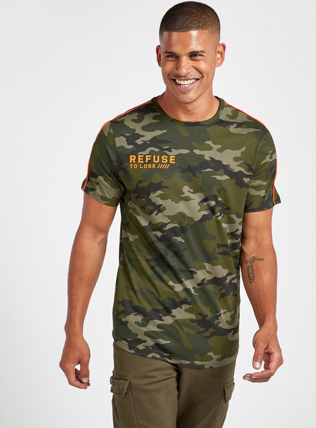 All-Over Camouflage Print T-shirt with Round Neck and Scoop Hem