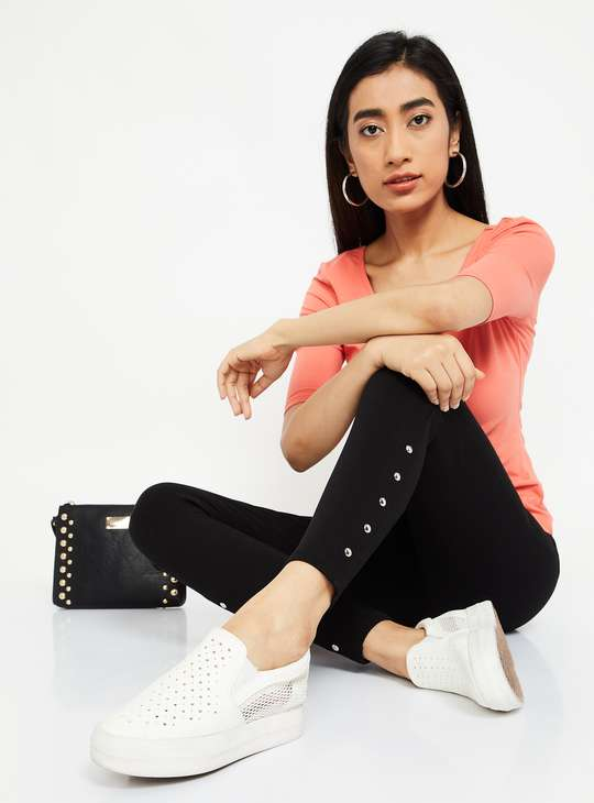 GINGER Solid Skinny Jeggings with Embellishments