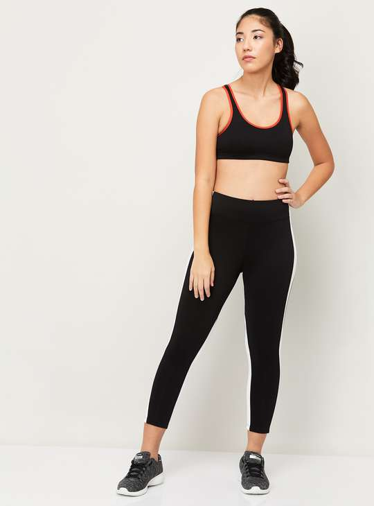 AMANTE Solid Padded Sports Bra