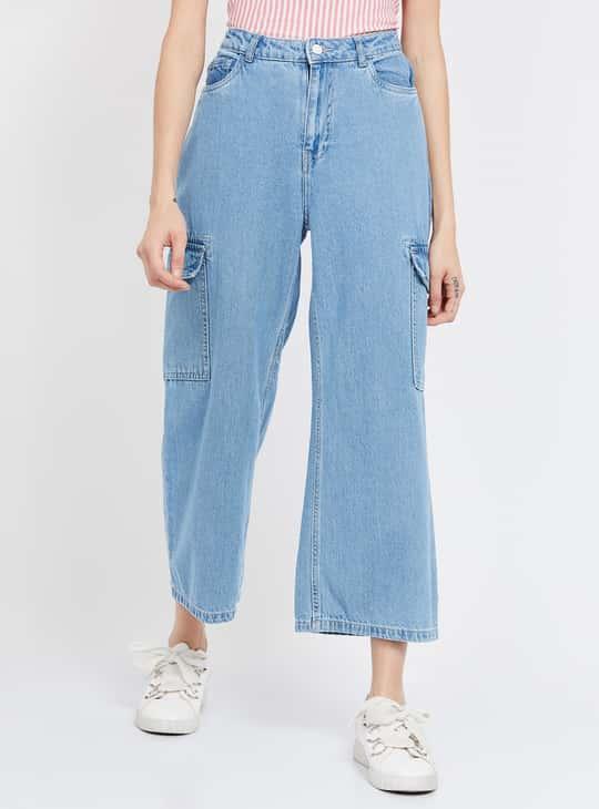 GINGER Solid Medium Washed Flared Jeans