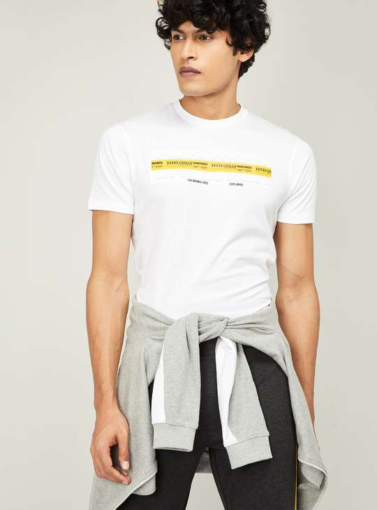 BOSSINI Men Typographic Print Regular Fit T-shirt