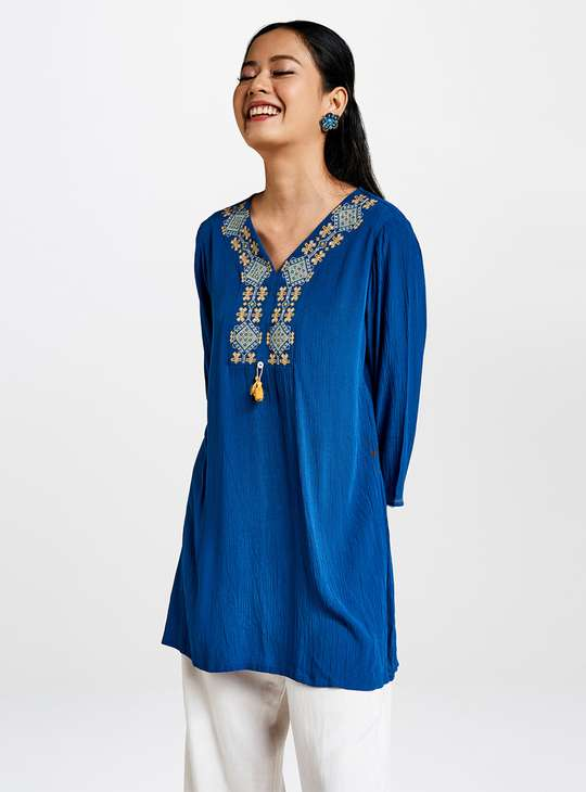GLOBAL DESI Women Embroidered V-neck Tunic