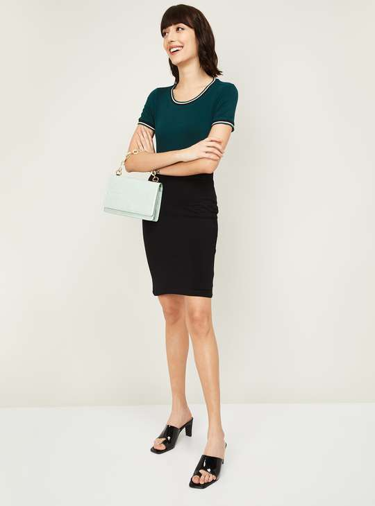 BOSSINI Women Solid Pencil Skirt