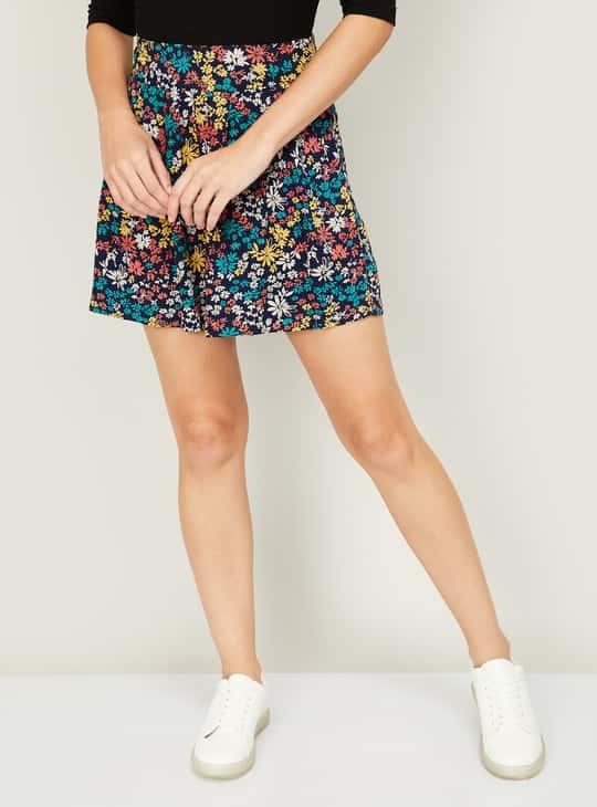 GINGER Women Floral Printed Shorts