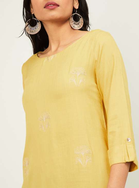 MELANGE Women Embroidered Three-quarter Sleeves Straight Kurta