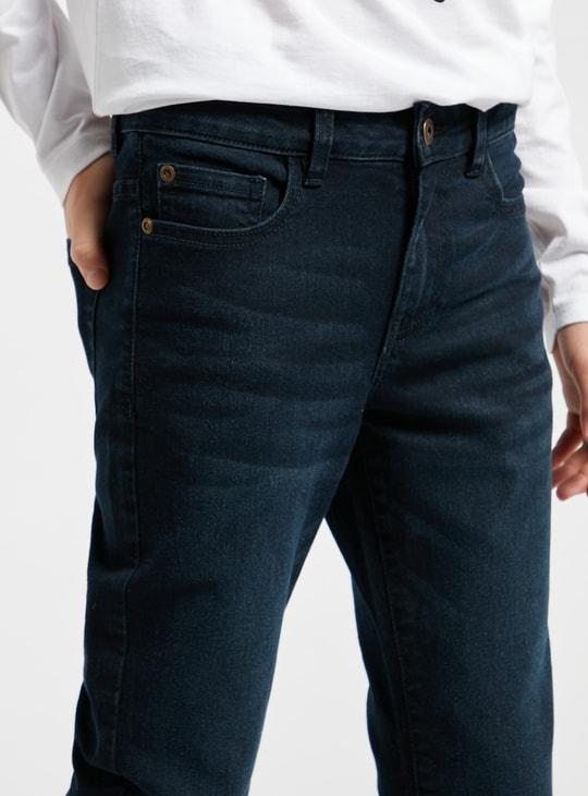 بنطلون جينز سادة بـ 5 جيوب وحلقات للحزام