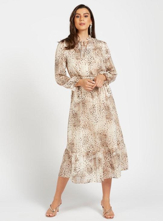 فستان إيه لاين متوسط الطول بطبعات وأكمام بيشوب وأربطة