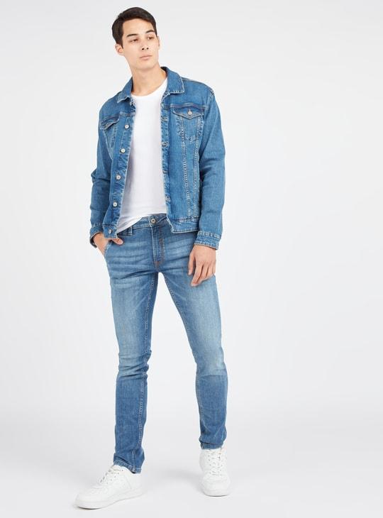 بنطلون جينز سليم بارز الملمس بخصر متوسط الارتفاع وعروات حزام وجيوب
