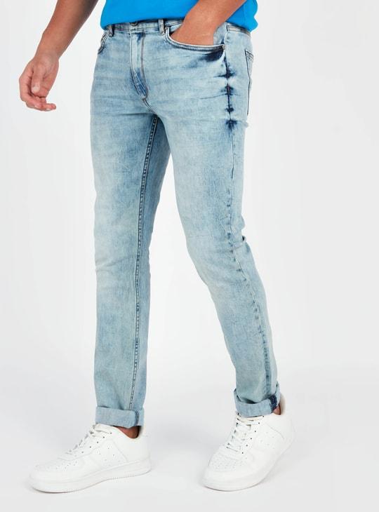 بنطلون جينز سكيني بارز الملمس بعراوي حزام وتفاصيل جيوب