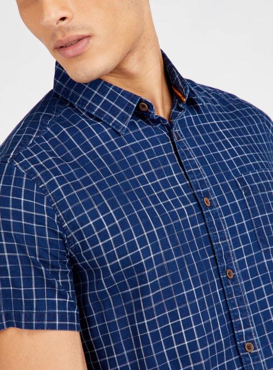 قميص كاروهات بأكمام قصيرة