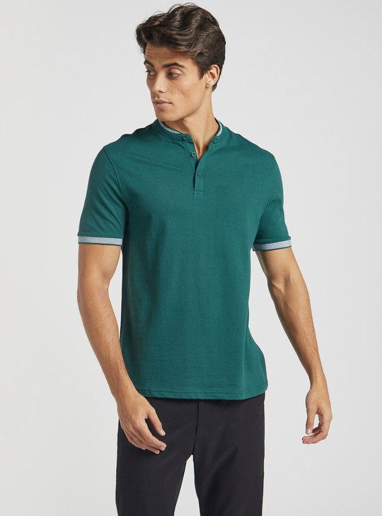 Henley Neck T-shirt with Short Sleeves