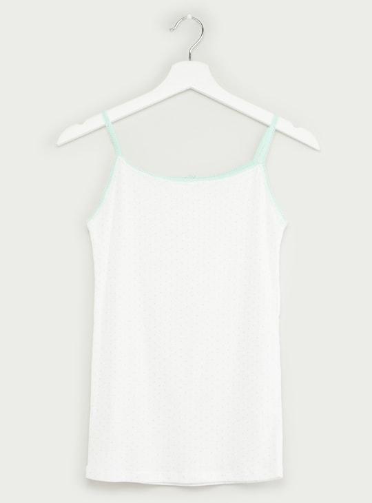 قميص داخلي دون أكمام بتفاصيل دانتيل وفيونكة - طقم من قطعتين