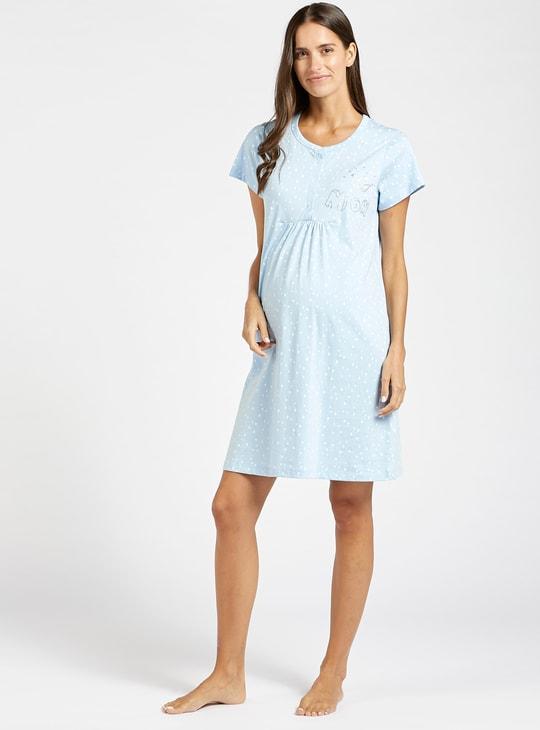 فستان نوم للحوامل بأكمام قصيرة وطبعات منقطة