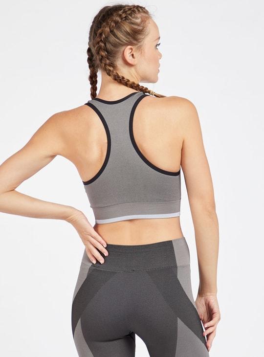 صدرية رياضية متداخلة دعم متوسط بياقة مستديرة وظهر ريسر