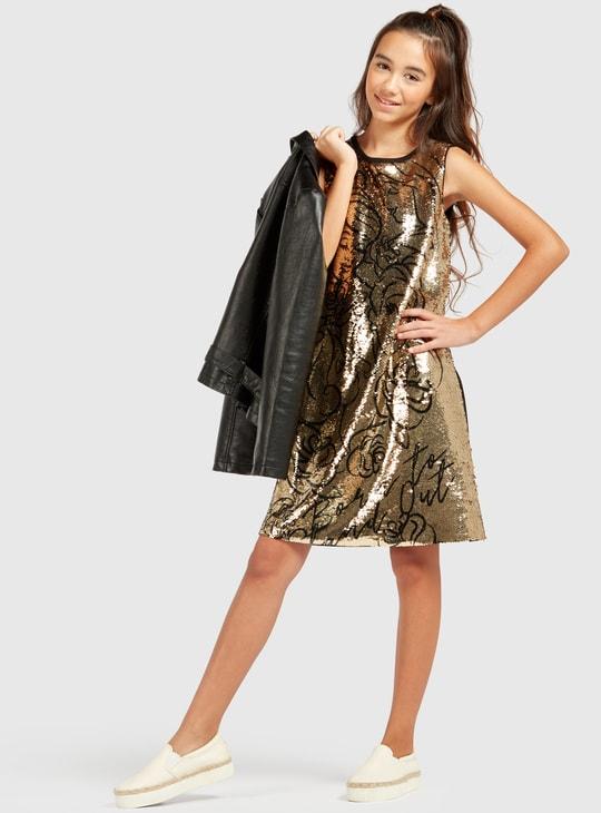 فستان دون أكمام مع تفاصيل ترتر