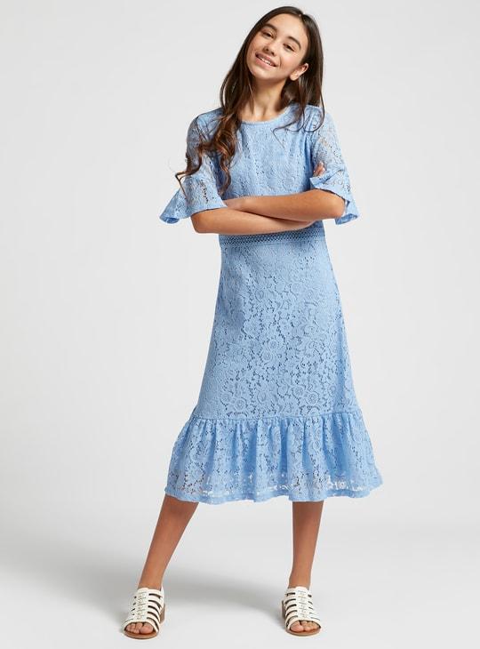 فستان ميدي بأكمام قصيرة وسحّاب إغلاق وتفاصيل دانتيل