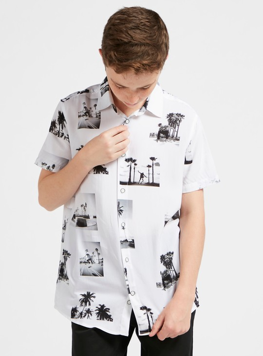 Printed Short Sleeves Shirt with Button Closure