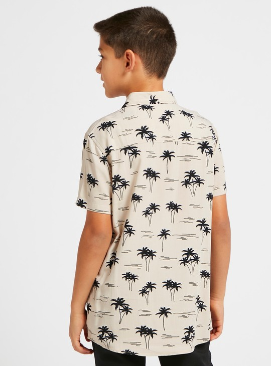 All-Over Palm Tree Print Shirt with Spread Collar and Short Sleeves