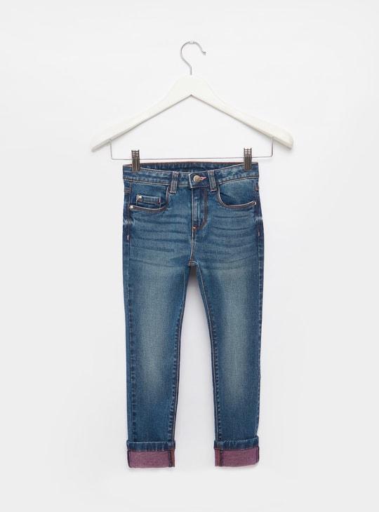 بنطلون جينز بتفاصيل جيوب وحلقات حزام