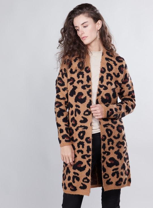 معطف بأكمام طويلة وطبعات حيوانات