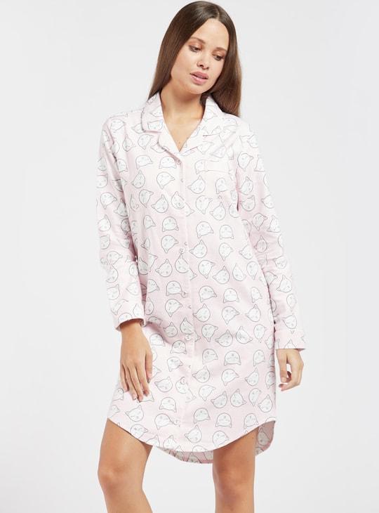 قميص نوم بياقة عادية وأكمام طويلة وطبعات بالكامل