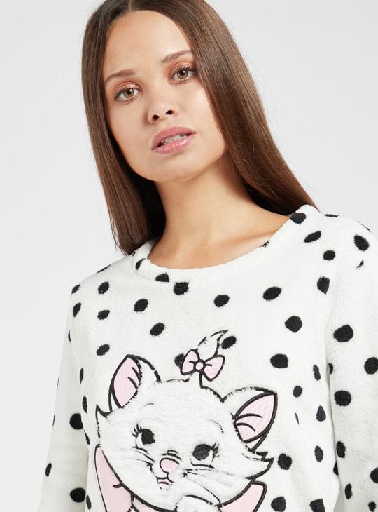 قميص نوم بأكمام طويلة وتفاصيل ماري قطيفة من كوزي كوليكشن
