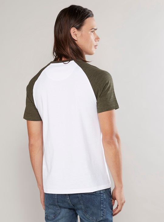 Solid T-shirt with Round Neck and Raglan Sleeves