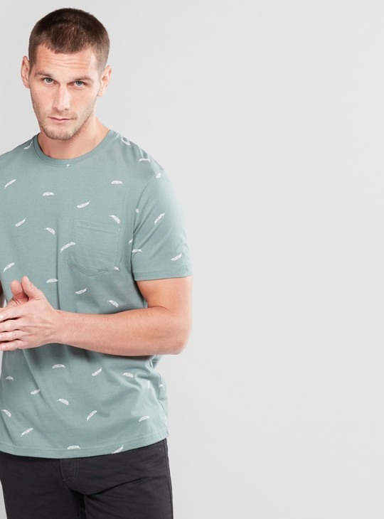 Printed T-Shirt with Short Sleeves and Pocket Detail