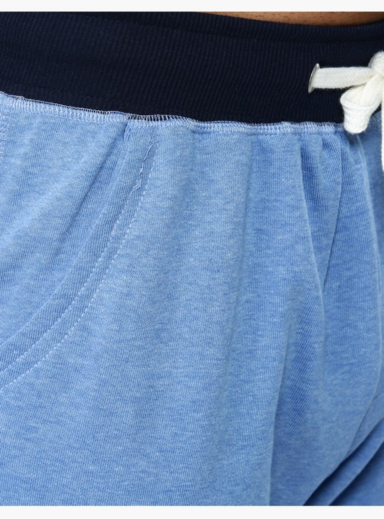 Knitted Dual-Tone Shorts in Straight Fit