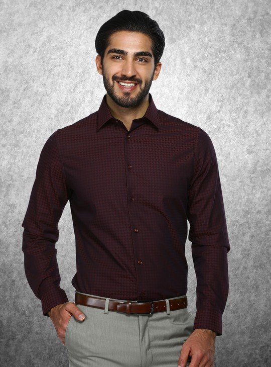 Chequered Long Sleeves Shirt in Regular Fit