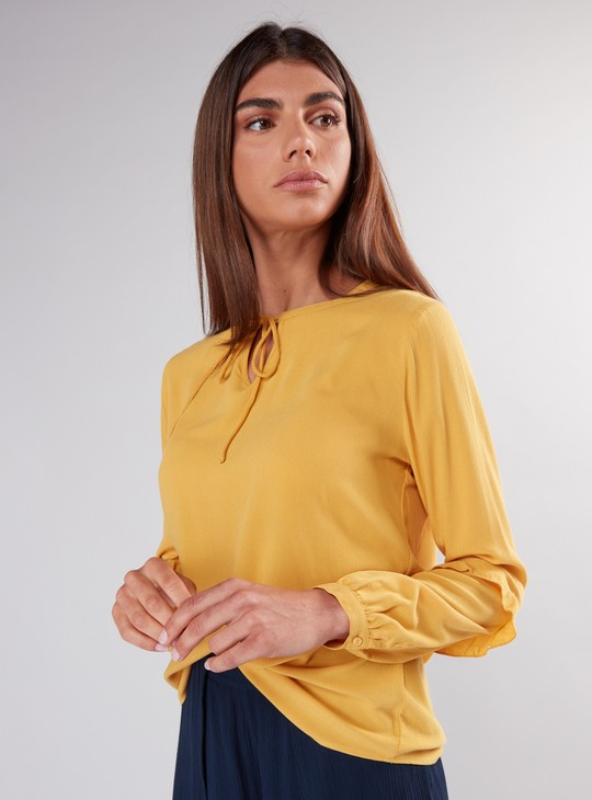 Long Sleeves Top with Tie Up
