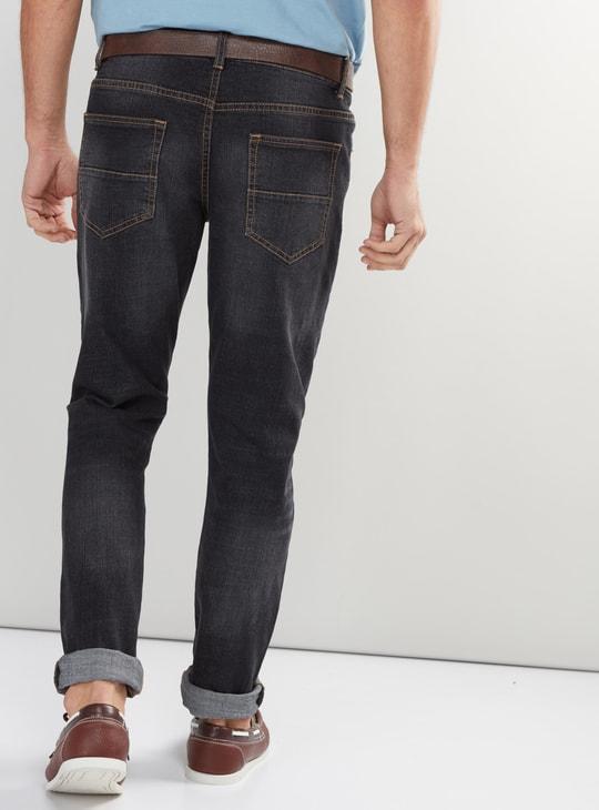 بنطال جينز طويل بحزام وجيوب