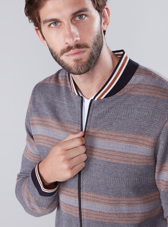 Textured Jacket with Long Sleeves and Zip Closure