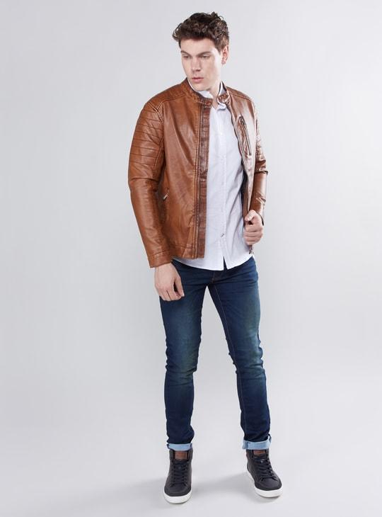 بنطال جينز طويل بتفاصيل جيوب وحلقات للحزام