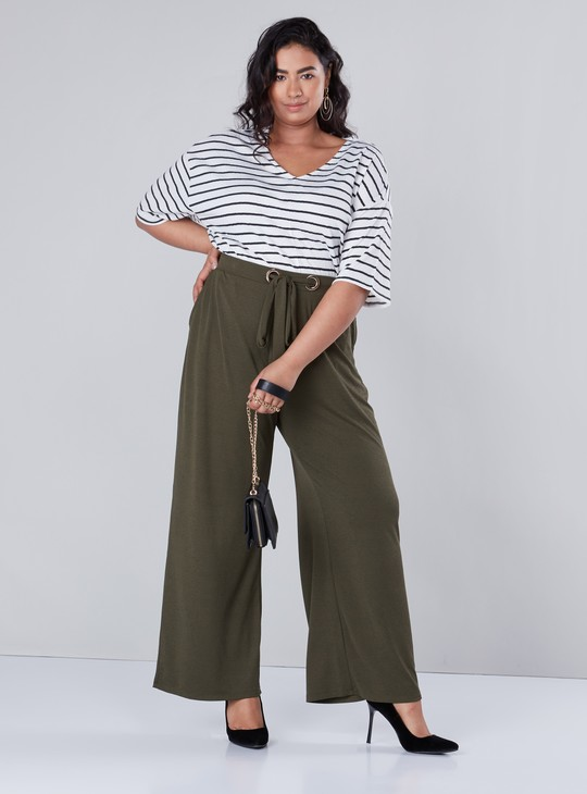 Striped Top with V-neck and Extended Sleeves