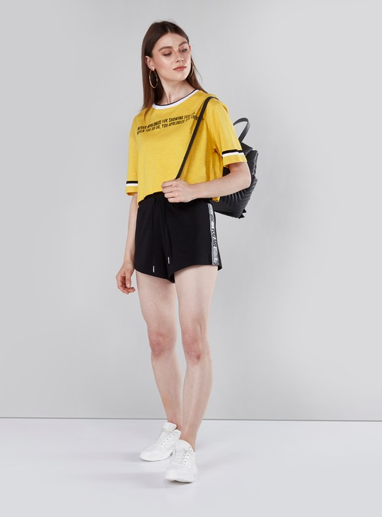 Printed Boxy Crop Top with Round Neck and Short Sleeves