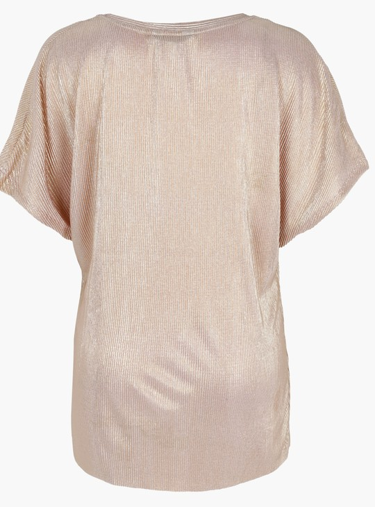 Textured Top with Short Sleeves and Round Neck