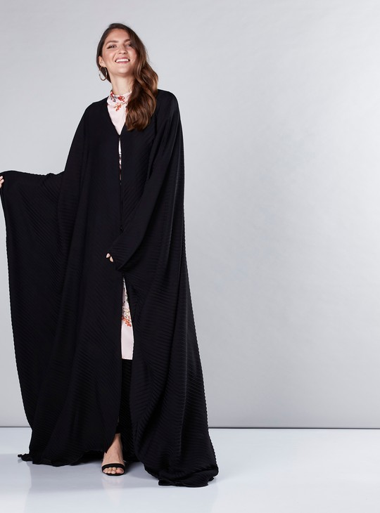 Pleated Farasha Cut Abaya with Button Closure