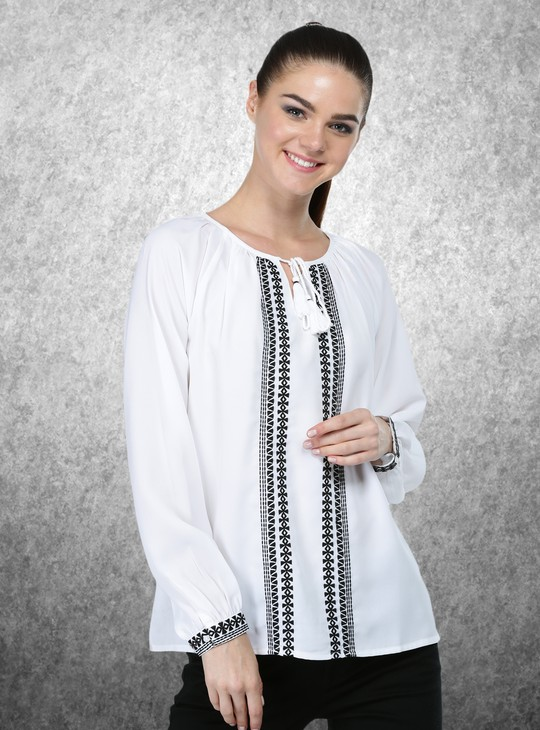 Long Sleeves Embroidered Top in Regular Fit