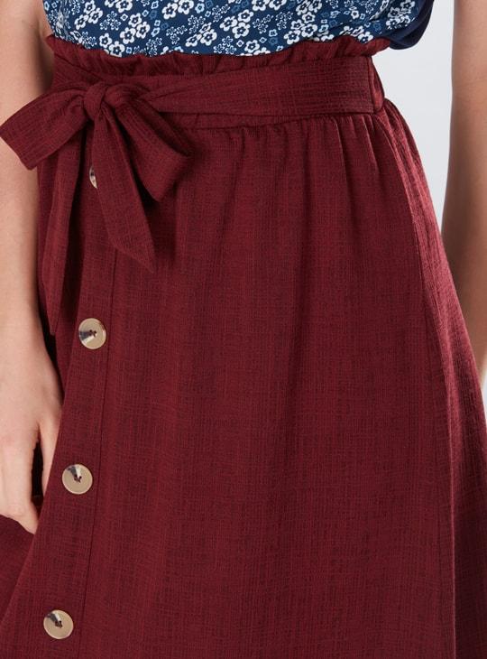 تنورة متوسطة الطول بخصر بيبر باج وأزرار