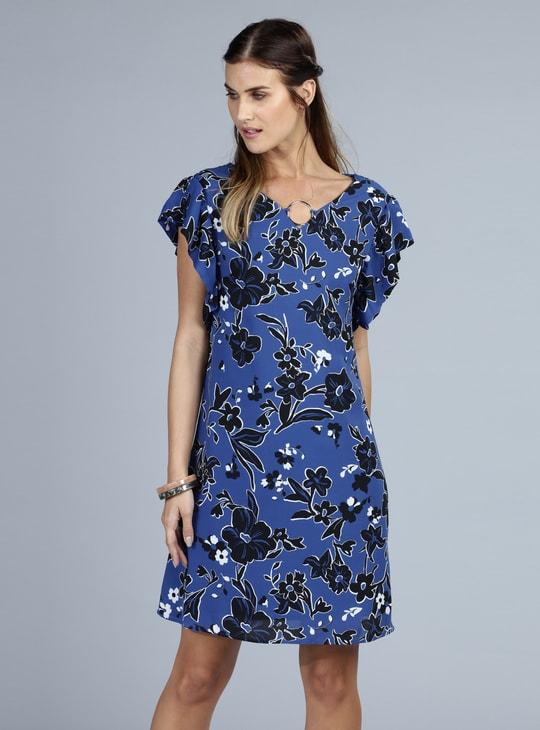 فستان ميدي بطبعات زهرية وأكمام كشكش
