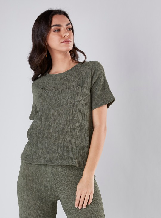 Textured Top with Round Neck and Short Sleeves