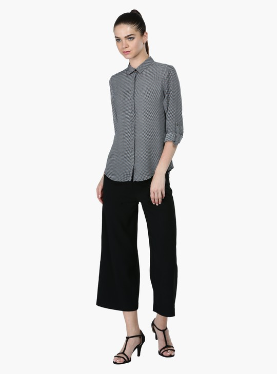 Roll Up Sleeves Shirt with Complete Placket on the Front