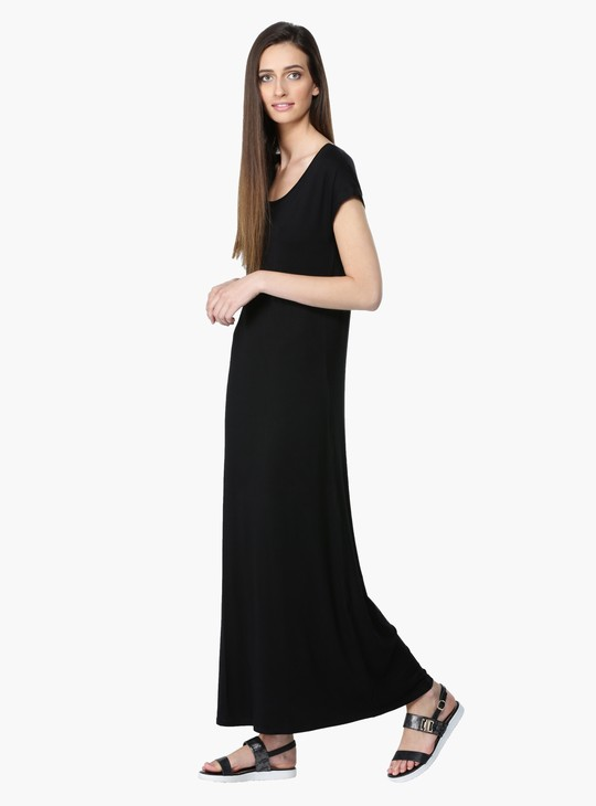Round Neck Maxi Dress with Short Sleeves