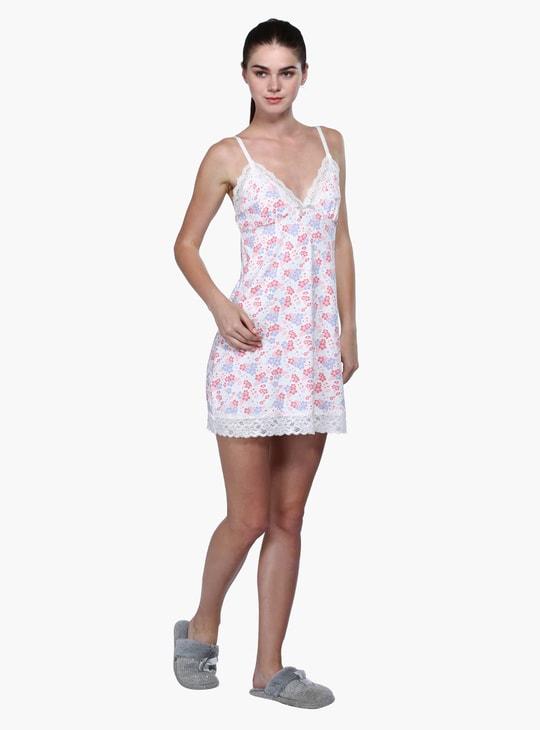 فستان نوم مطبوع بطبعات وحمّالات رفيعة