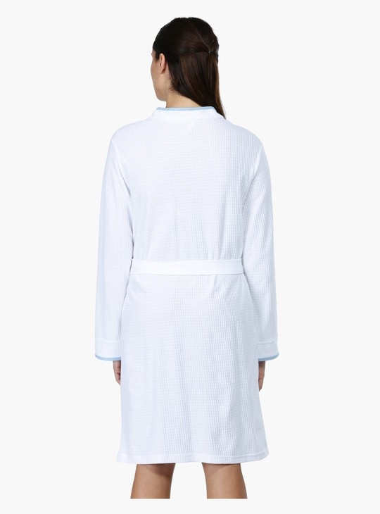 Bath Robe with Long Sleeves and Tie Up