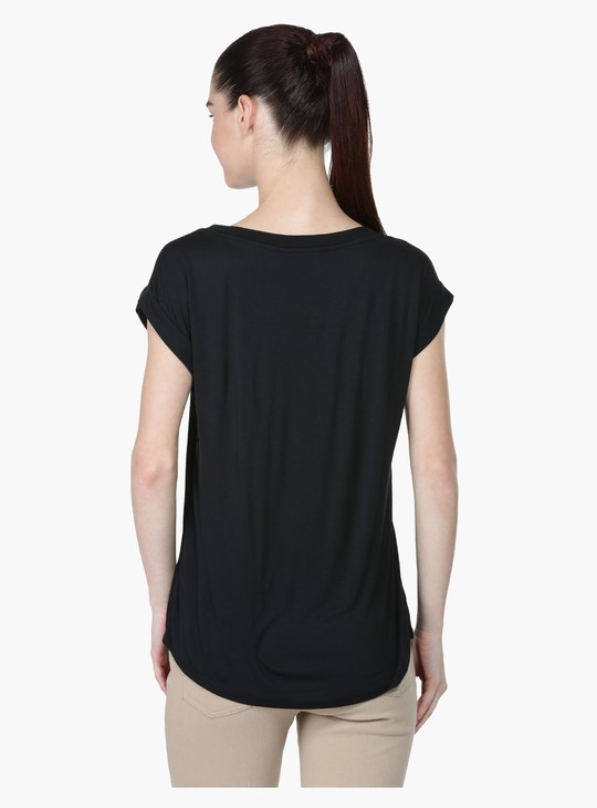 Round Neck T-Shirt with Embellished Pocket and Short Sleeves